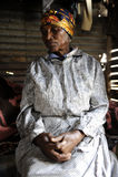 Afrikanische Frau und Hände Stockbild