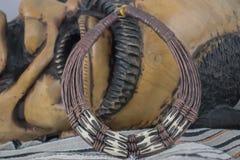 Afrikanische Halskette von Nigeria stockbilder