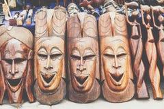 Afrikanische Masken, Marokko Souvenirladen in Agadir Stockfotografie