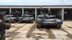 Afrikanische Militärbehälterparks stock footage