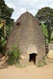 Afrikanische Stammes- Hütte Stockfotos