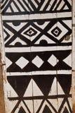 Afrikanische Tür mit dem Stammes- Schmerzen Lizenzfreie Stockfotos