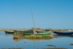 Afrikanische traditionelle Fischerboote Lizenzfreies Stockfoto