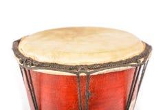 Afrikanische Trommel lokalisiert auf weißem Hintergrund Lizenzfreie Stockbilder