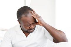Afrikanischer Mann im Leid lizenzfreies stockfoto