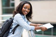 Afrikanischer Studentcampus stockfotografie