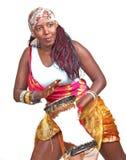 Afrikanischer Vertreter spielt kleine djembe Trommel Stockfotos