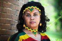 Afrikanisches Mädchen mit äthiopischem Kostüm lizenzfreie stockbilder