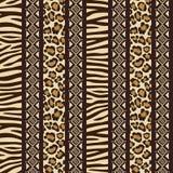 Afrikanisches nahtloses mit wildem Tierhaut patte Lizenzfreie Stockbilder