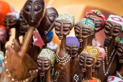 Afrikanisches Schnitzen von Stammes- Frauen lizenzfreie stockfotos