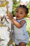 afrikansk amerikan behandla som ett barn den gulliga pojken Royaltyfri Fotografi