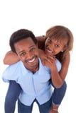 Afrikansk amerikanbarnpar som spelar - svarta människor Arkivfoto