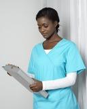 Afrikansk amerikankvinnasjuksköterska Royaltyfri Foto
