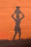 afrikansk bakgrundsperson som tillhör en etnisk minoritet arkivbild