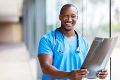 Afrikansk bildläsning för medicinsk doktor CT royaltyfri foto
