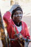 afrikansk gammalare kvinna Arkivbilder