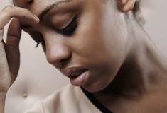 afrikansk härlig tät stående upp kvinna Fotografering för Bildbyråer