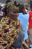 Afrikansk kvinna på den Karatu Iraqw marknaden Arkivfoto