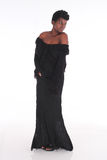 Afrikansk kvinnlig i svart klänning Arkivbild