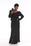 Afrikansk kvinnlig i svart klänning Arkivbilder