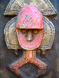 Afrikansk skulptur för trä och för metall Royaltyfria Foton