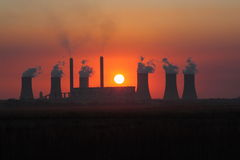 Afrikansk solnedgång royaltyfria bilder