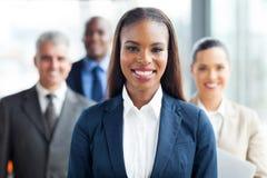 Afrikanska affärskvinnamedarbetare arkivbild