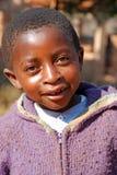 Afrikanska barn som lider från HJÄLPMEDELvirus i byn av Pom Royaltyfria Foton