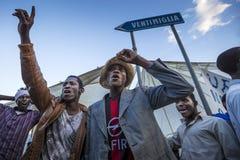 Afrikanska flyktingar som blockeras i Italien Arkivbild