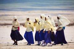 Afrikanska skolflickor i Zanzibar Arkivfoto
