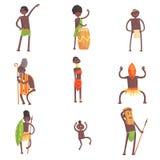 Afrikanska stammedlemmar som dansar och gör religiösa ritualer i bladLoinclothsuppsättning av att le tecknad filmtecken stock illustrationer
