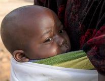 Afrikanskt barn i Rwanda Arkivfoto