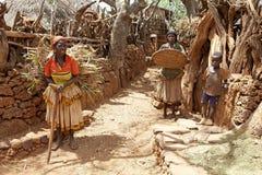 Afrikanskt folk på byn Arkivfoto
