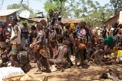 Afrikanskt folk på marknaden Royaltyfri Foto