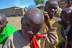 Afrikanungar - Massai Arkivfoton