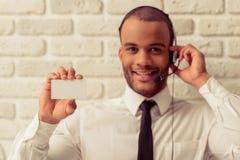 Afro- amerikansk affärsman med grejen Arkivfoton