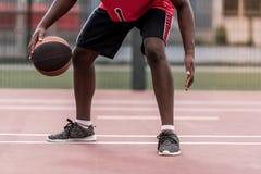 Afro amerykanina gracz koszykówki Fotografia Royalty Free