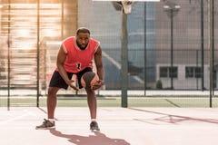 Afro amerykanina gracz koszykówki Zdjęcia Royalty Free