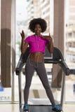 Afro kobiety amerykański bieg na karuzeli Obrazy Royalty Free