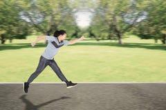 Afro mężczyzna bieg na parku Obraz Stock