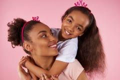 Afro matka w podrabianych koronach i Obrazy Stock