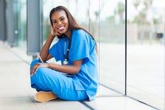 Afro opieki zdrowotnej amerykański pracownik Zdjęcie Stock