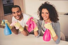 Afro pary amerykański cleaning Zdjęcie Stock