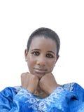 Afro piękno jest ubranym tradycyjną suknię, odosobnioną Zdjęcie Stock