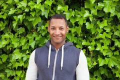 Afroamerican парень на парке стоковые изображения