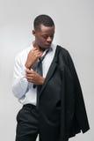 Afroamerican moda modela mężczyzna w galanteryjnym kostiumu Fotografia Royalty Free