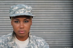 Afroamerikaner-Frauen-Soldat Isolated Stockbild