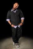 Afroamerikaner-Hip Hop-Mann-Stellung stockbild