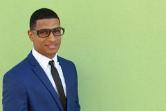 Afroamerikaner-Mann des glatten Schnitts mit Kopienraum für das Addieren des Textes Lizenzfreie Stockfotos