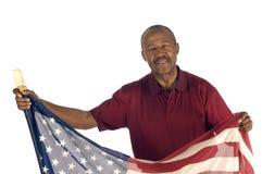 Afroamerikaner-Patriot mit Markierungsfahne lizenzfreie stockfotos
